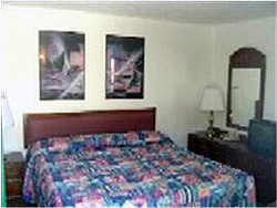 COLONIAL MOTEL  Rooms Wisconsin Dells